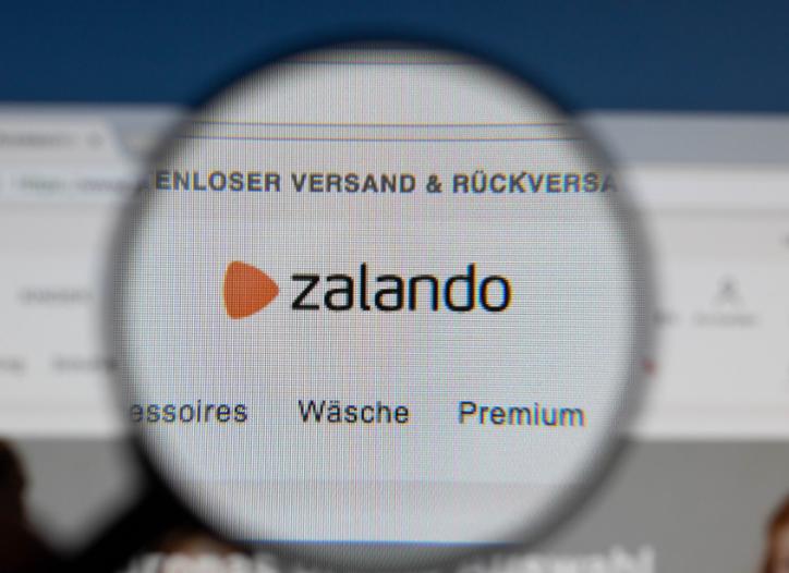 756a4af15a1 De udenlandske netbutikker strammer grebet om danske e-handel. Zalando,  Amazon og H&M er størst, mens Wish.com overhaler eBay, der går lidt tilbage.